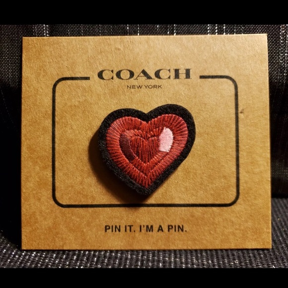 3for30 Coach heart pin soldout retired limited